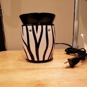 Scentsy Full Size Warmer - Zebra